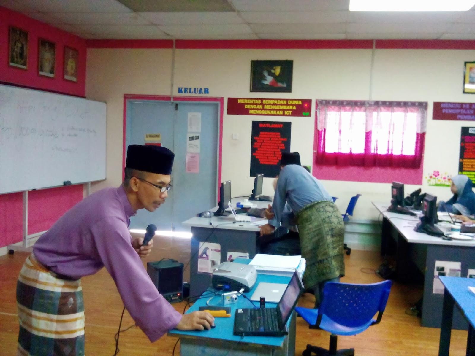 11.2013. Jumaat. Makmal Komputer, SK Seri Makmur. Berlangsung Kursus ...