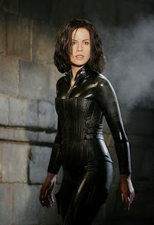 sexy Selene black leather Kate Beckinsale