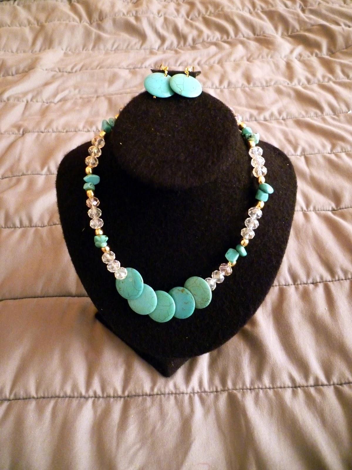 Collar de color pasta color Turquesa, Cuarzos y Cristales