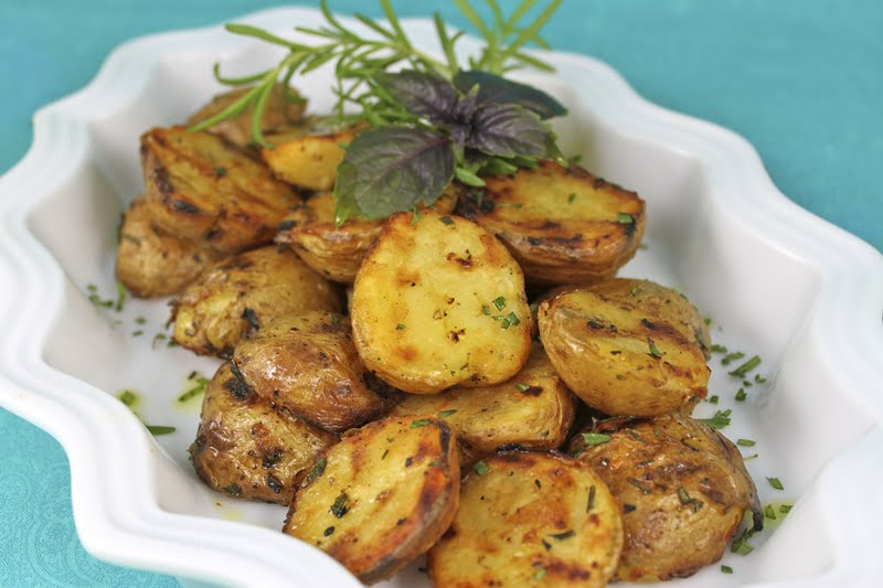 Grill-Roasted Rosemary Potatoes | The Café Sucre Farine