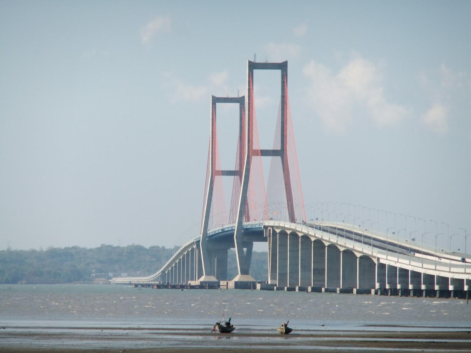 Demikianlah informasi wisata Jembatan Suramadu Jembatan Surabaya ...