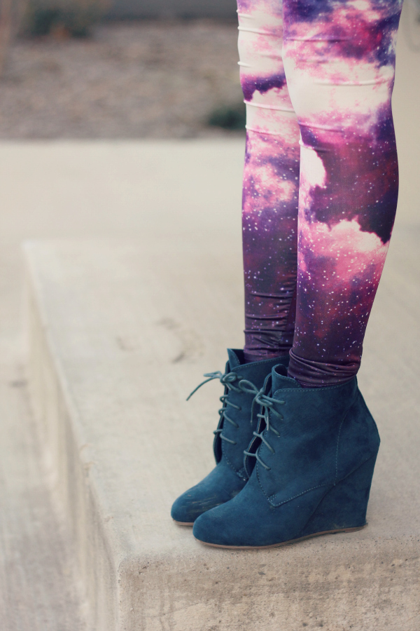 galaxy leggings outfit