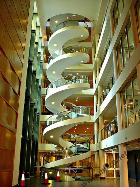 tangga spiral di Garvan Institute di Sydney, Australia