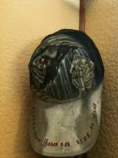 photo de Réa sur casquette thème skull et poker par bysoairdisign