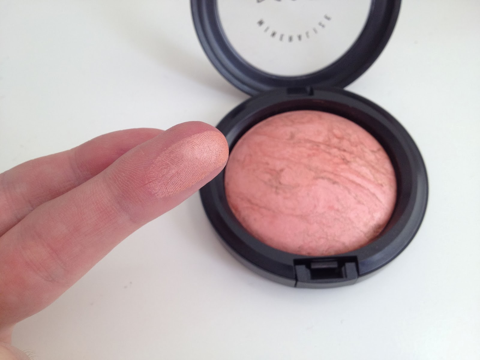 MAC Mineralize Skinfinish in Stereo Rose swatch