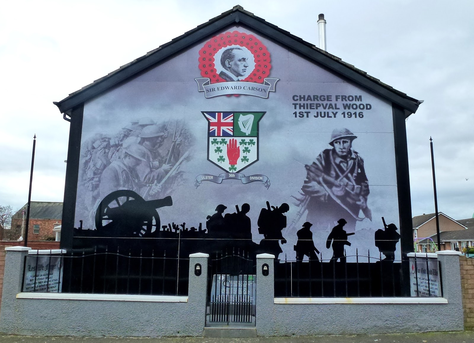 Paddy 39 s wagon brave beautiful belfast for Mural in belfast