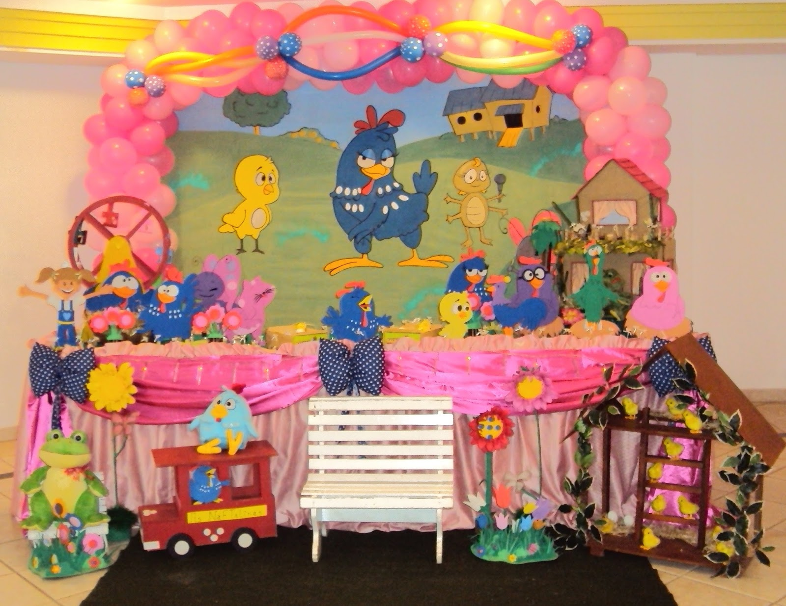 decoracao festa galinha pintadinha rosa:Sirlei Festas infantil-Rua:Oreade 174 Moreninha III Tel:(67)3393-2873