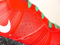 Nike LeBron 8 V2 Christmas