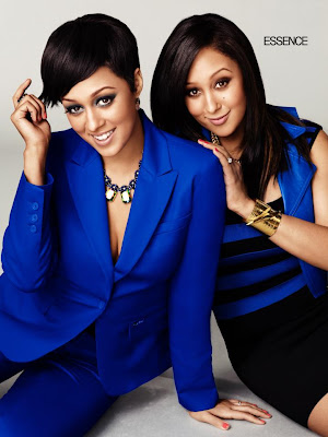 Tia and Tamera Mowry Smiling
