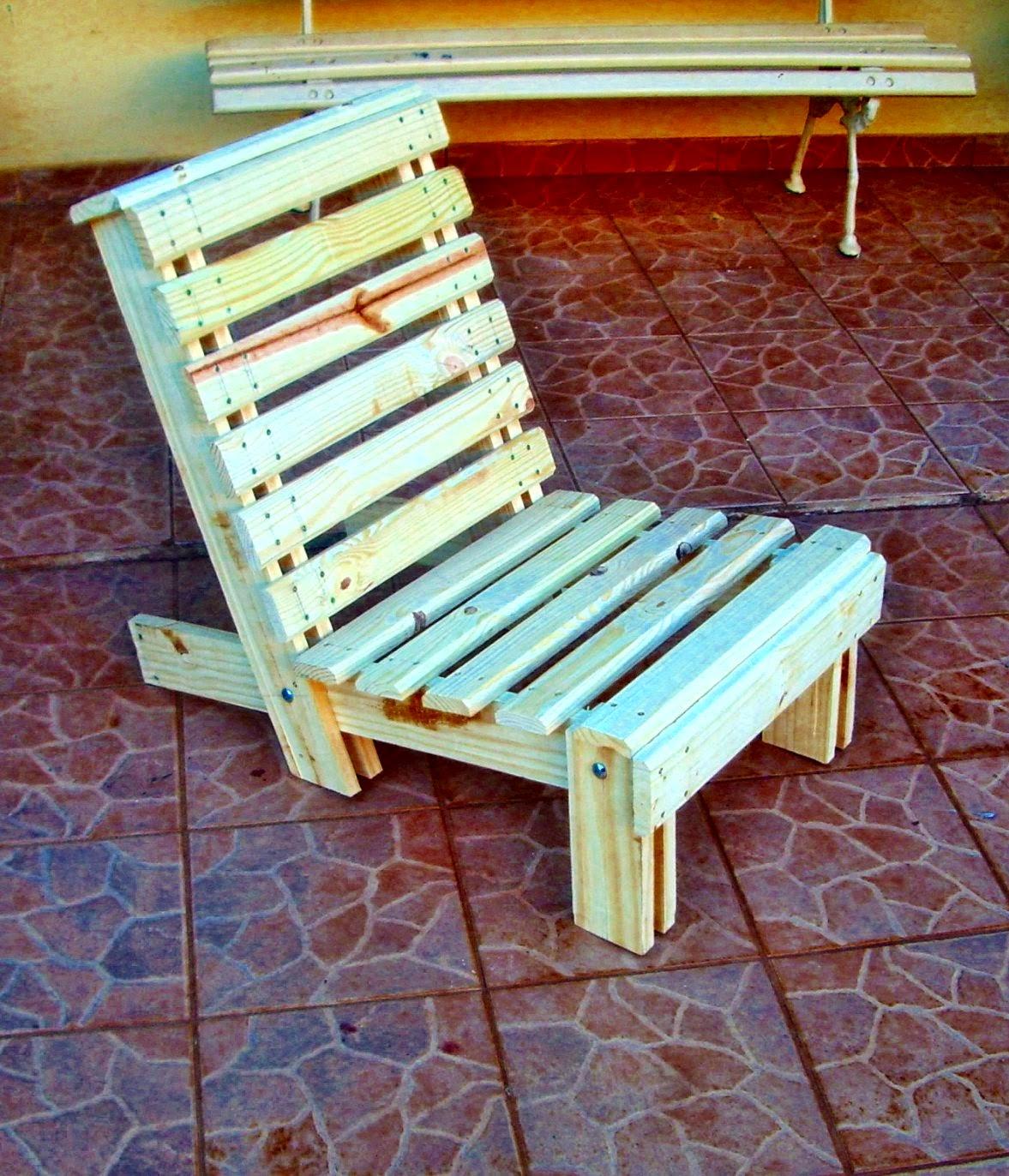 : Cadeira em madeira reciclada (opcional c/ e sem almofada #B37918 1177x1372