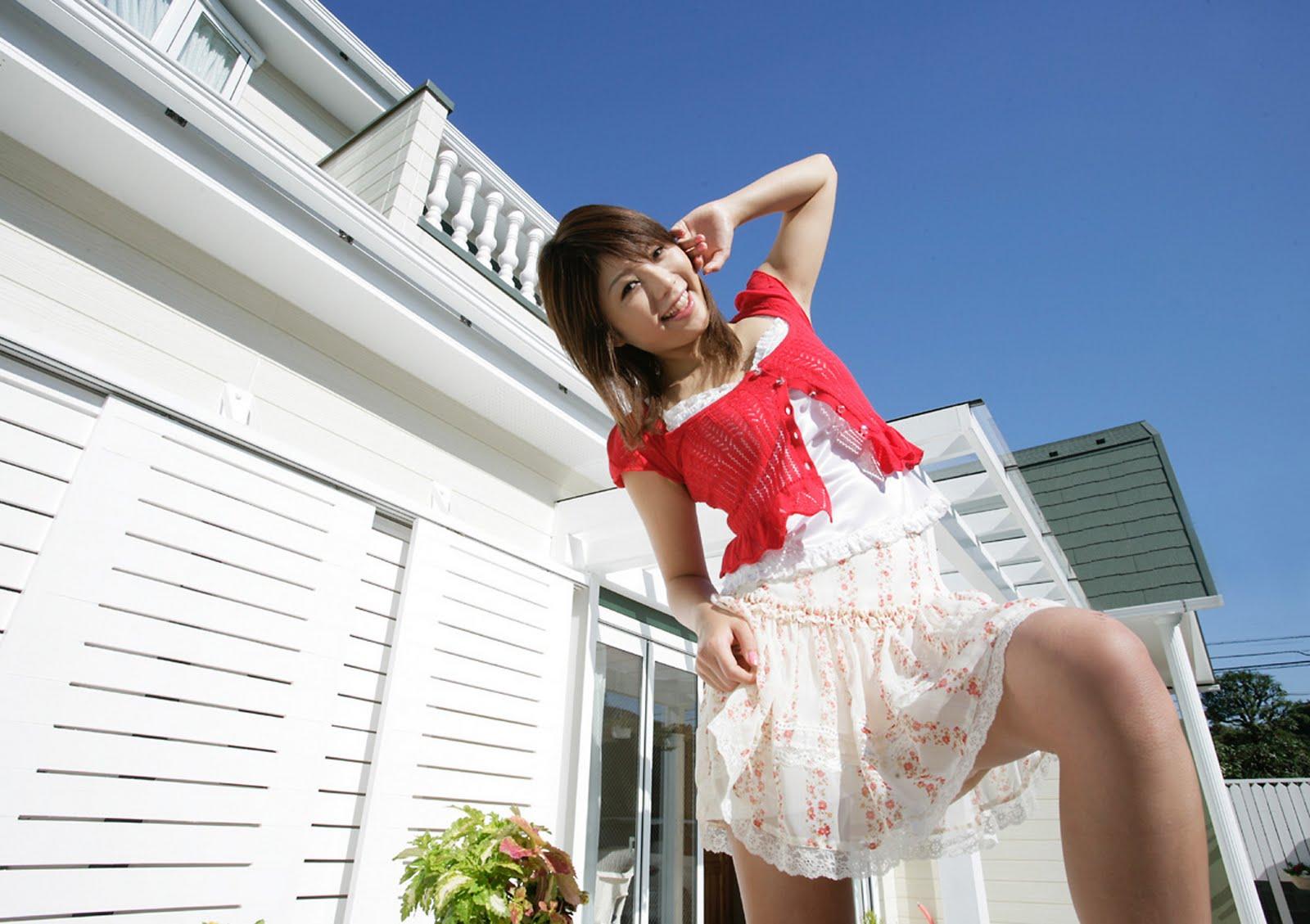 http://1.bp.blogspot.com/-5m_o2oIyvvs/TeQhSo2BuOI/AAAAAAAACYU/8m90j6XSv4s/s1600/japanese+cute+sexy+girl+wallpaper+%252833%2529.jpg