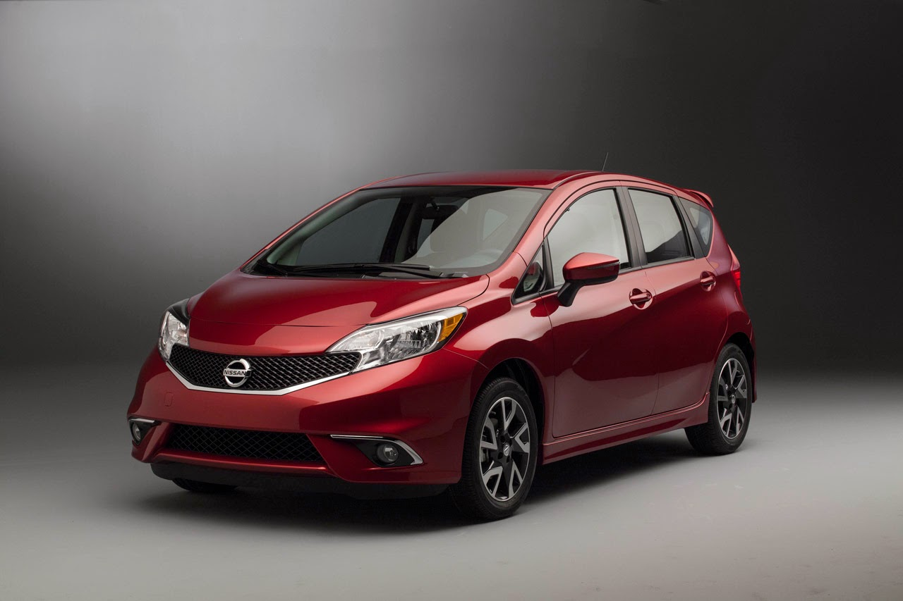 automotiveblogz 2015 nissan versa note sr photos. Black Bedroom Furniture Sets. Home Design Ideas