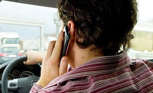 conducir vehículo teléfono móvil