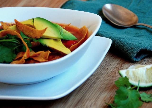 Grilled Veggie Chicken Tortilla Soup www.pineappleandcoconut.com