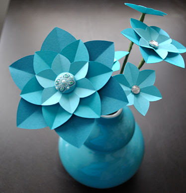 Do it yourself weddings want to learn to make paper flowers want to learn how to make the perfect paper flowers try this tutorial for these pretty paper petals make them in any color combination that works with mightylinksfo