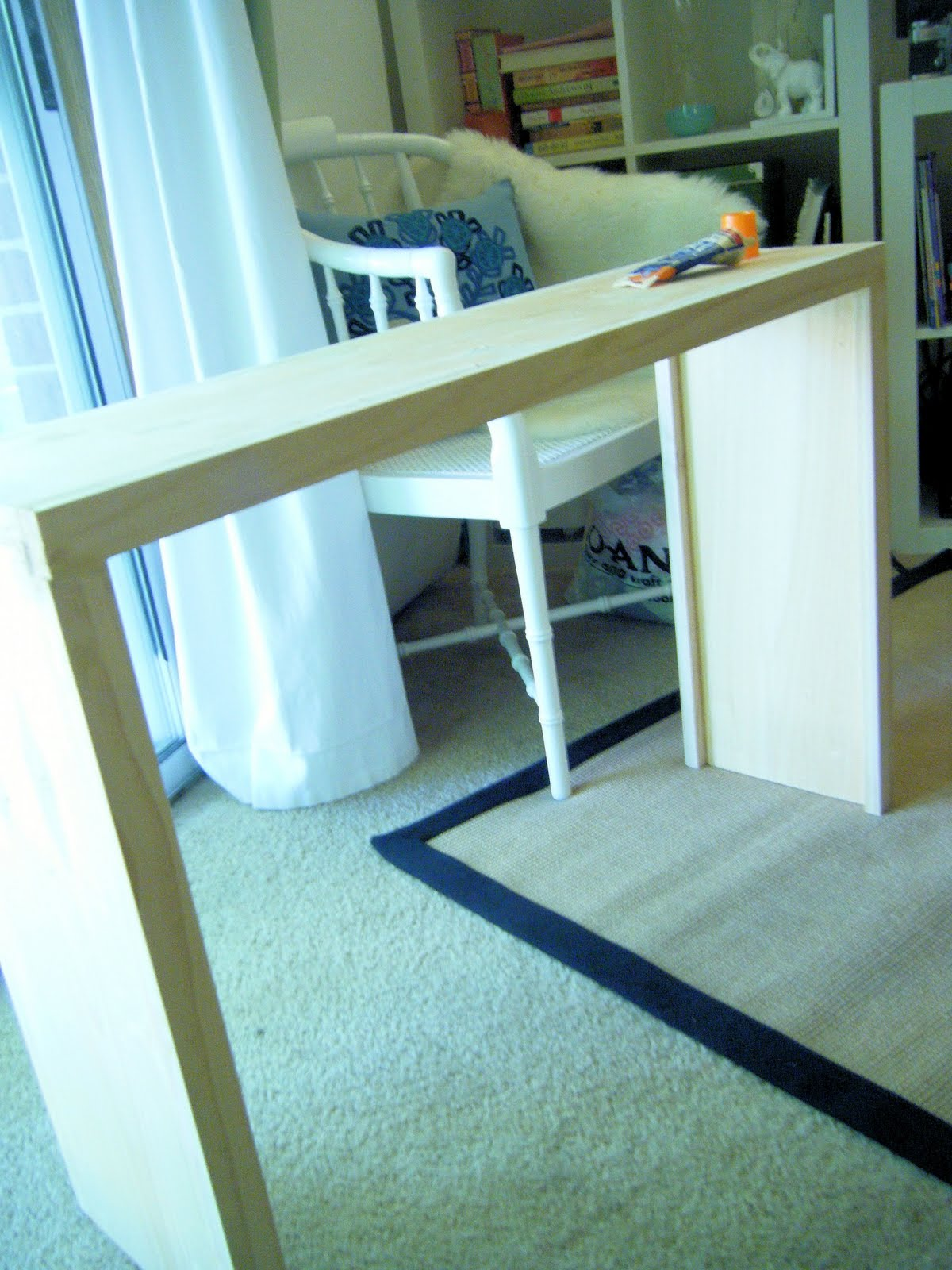 a blonde 39 s diy life how to build a sofa table. Black Bedroom Furniture Sets. Home Design Ideas
