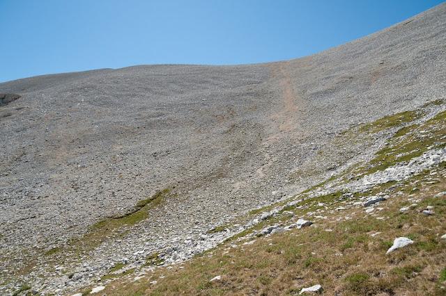 Ripido ghiaione sul sentiero delle Murelle