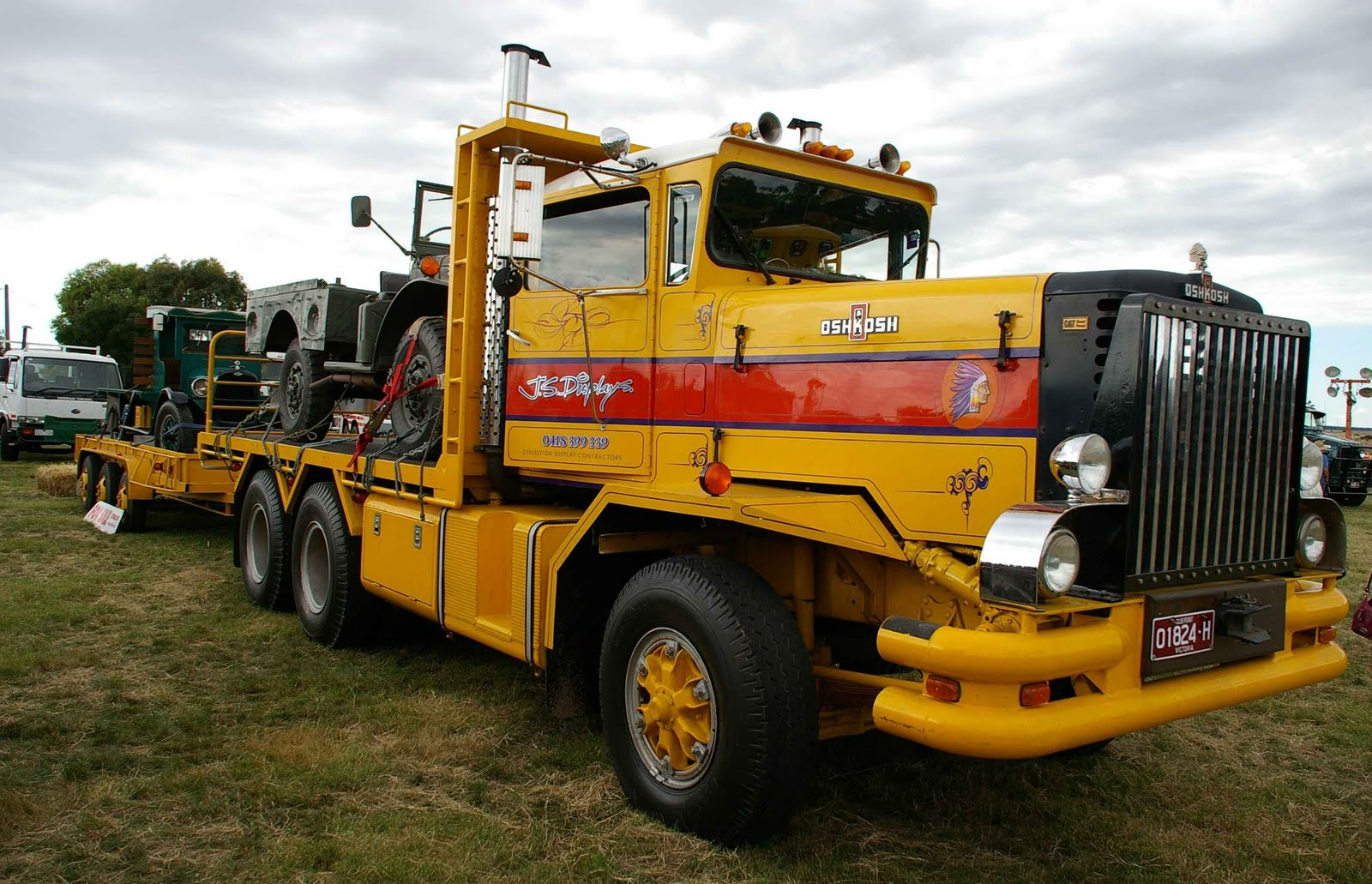 Historic trucks hcvc ballarat branch clunes truck show for Hayes motor company trucks