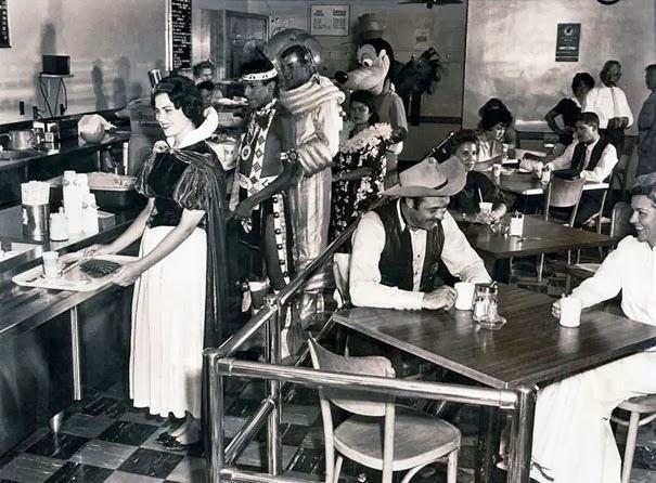 Кафетерий в Диснейленде для сотрудников в 1961 году.