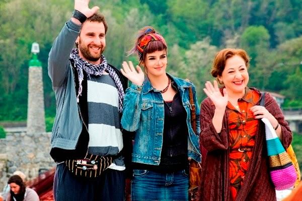 '8 apellidos vascos' se convierte en el mejor estreno del año en España. Clara Lago, Dani Rovira y Carmen Machi. MÁS CINE. Noticias. Making Of