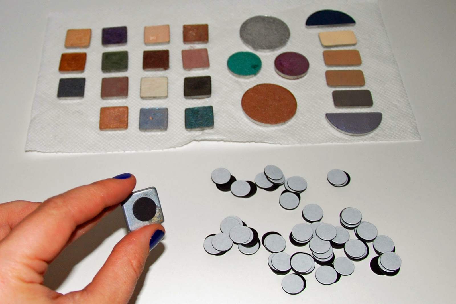 DIY Eyeshadow Palette - Magnets on Back of Pans