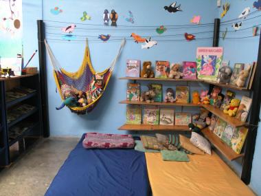 Escuela infantil los picolinos for Decoracion de espacios de preescolar