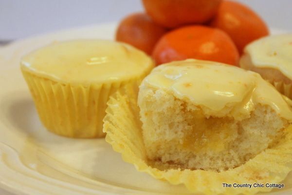 Orange Cream Filled Cupcakes -- a truly wonderful citrus cupcake that ...