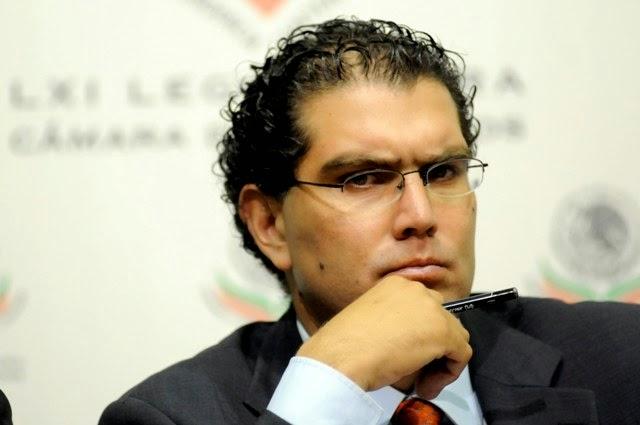 Armando Rios Piter