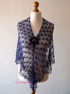 http://elizyart.blogspot.com.es/2013/04/in-love-with-shawl.html