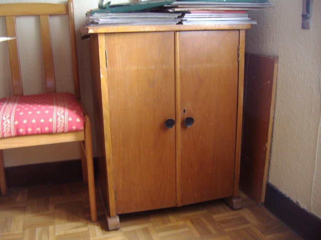 Miniaturasmjose mueble para m quina de coser swarovski for Diseno de muebles de maquinas de coser