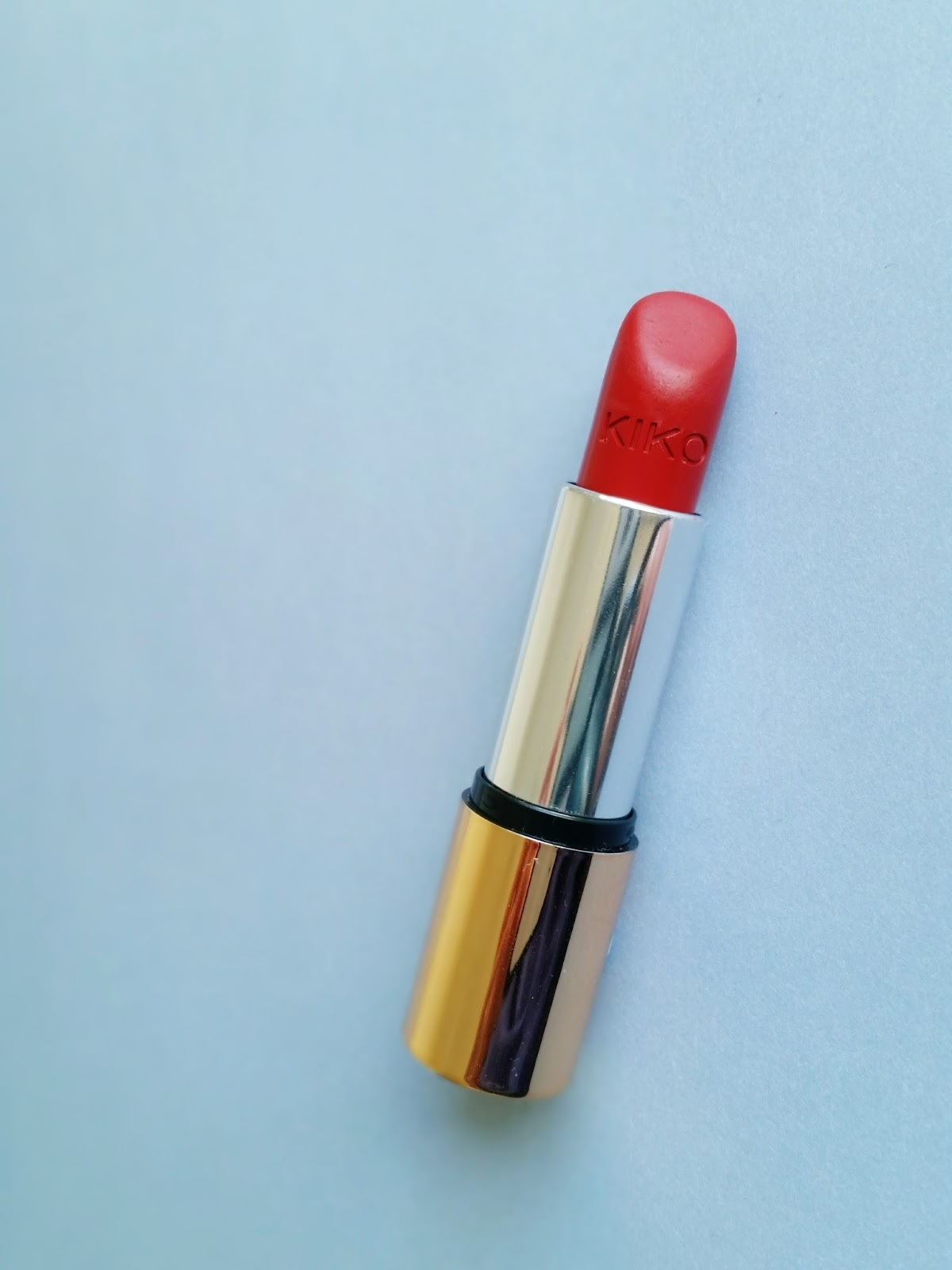 Kiko VELVET MAT SATIN LIPSTICK in apple red