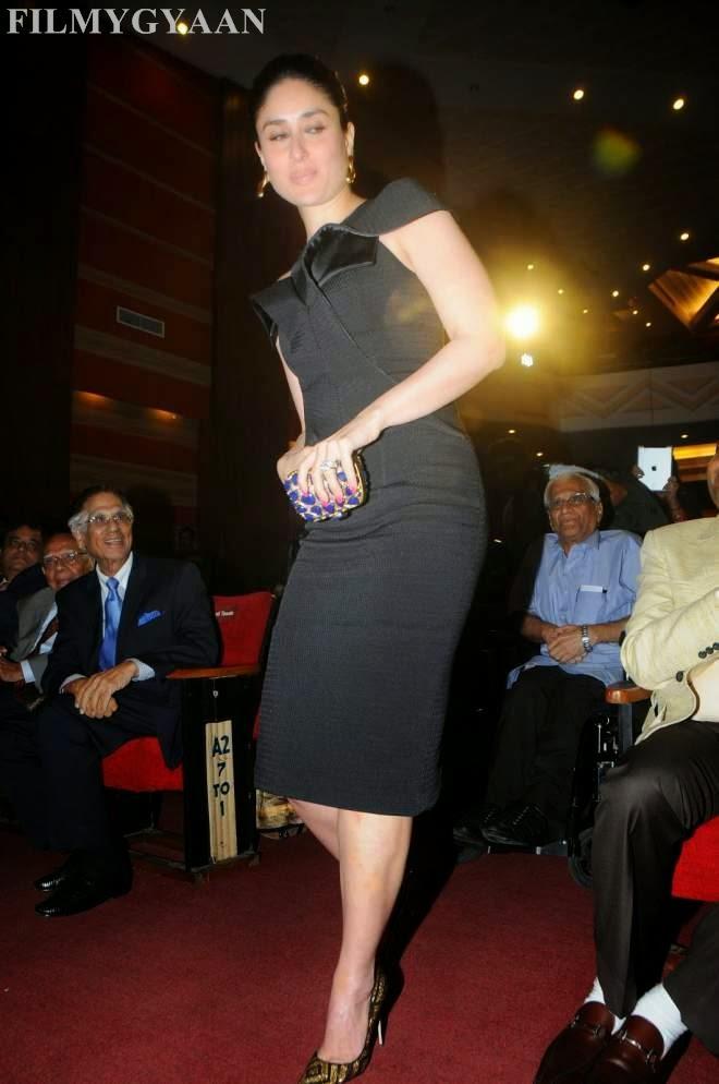 Kareena Kapoor Looks Sexy In Black Short Dress Photos