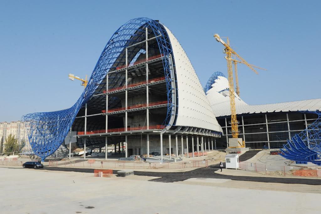 Zaha Hadid And The Heydar Aliyev Cultural Centre