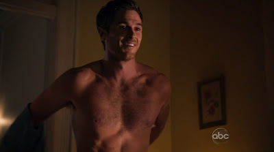 Dave Annable Shirtless in 666 Park Avenue s1e01