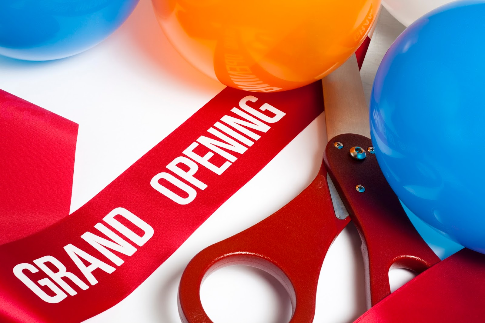 why you need a custom banner for your grand opening