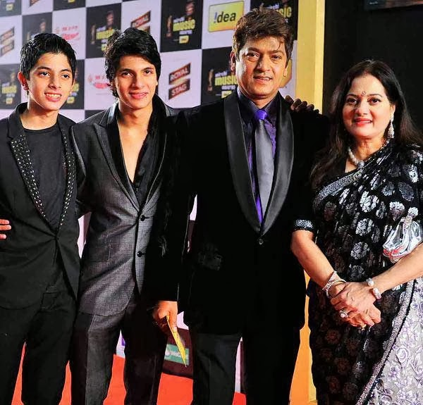Adesh Shrivastava at Mirchi Music Awards 2014