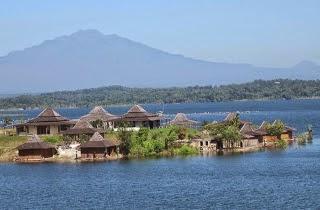 Waduk Kedung Ombo Merupakan Sebuah Bendungan Raksasa Yang Terdapat Di Perbatasan  Kabupaten Yaitu Kabupaten Sragen Boyolali Dan Kabupaten Grobogan