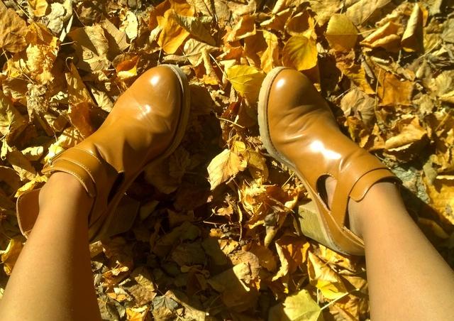 zapatos cuero claro