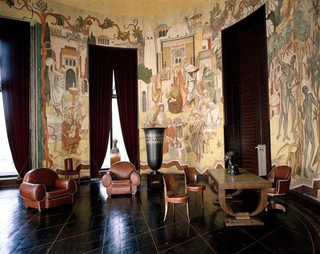 Эмиль Жак Рюльман (Jacques-Emile Ruhlmann, 1879-1933). Творчество Эмиля Жака Рюльмана являет собой тончайшее выражение Ар Деко, представляя наиболее роскошные образцы французской мебели 1920-1930-х годов.