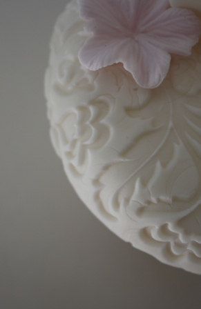 Vanilla Bean Cup Cakes with Embossed Ivory Lids Ivory Teapots Ivory