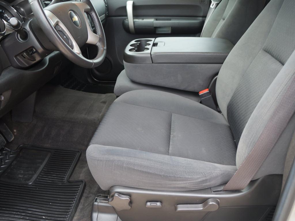 We sell Trucks - no BULL 2009 Chevrolet HD Durmax Diesel ...