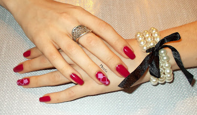 http://mroofa.blogspot.com/2013/09/square-nail-art-with-sincler-stickers.html