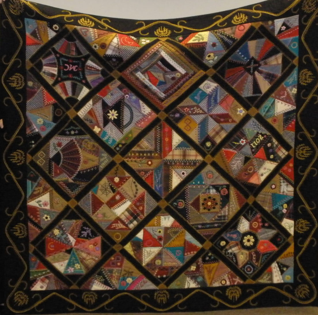 Quilts Etc!: Wool Quilts - Fancy and Plain
