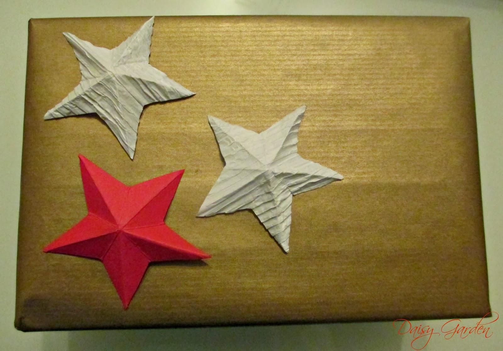Daisy garden i pacchetti di natale pacchetti reciclosi for Stelle di carta tridimensionali