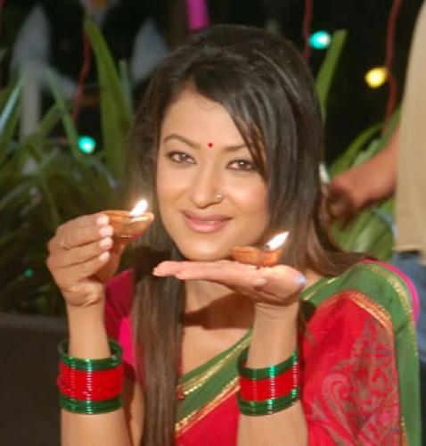 Alisha Rai Biography Loot 2 item girl  Nepali Actress