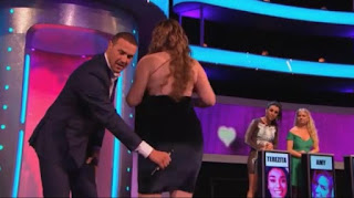 Wait, What?! Woman Who Clap Her Butts (Just Like You Clap Hands) Appears On Contest (Video + Photos)