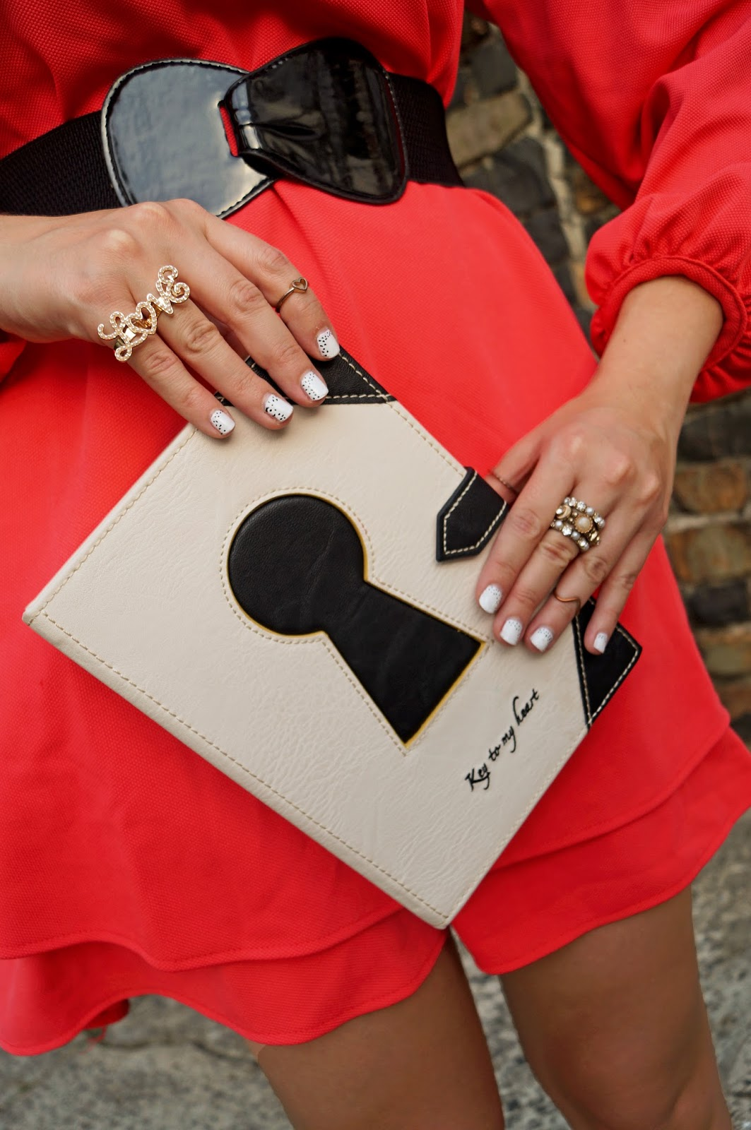 black white nails, mani, white nails, fun nails, fashion accessories, book clutch, asos clutch, forever 21 ring, love ring