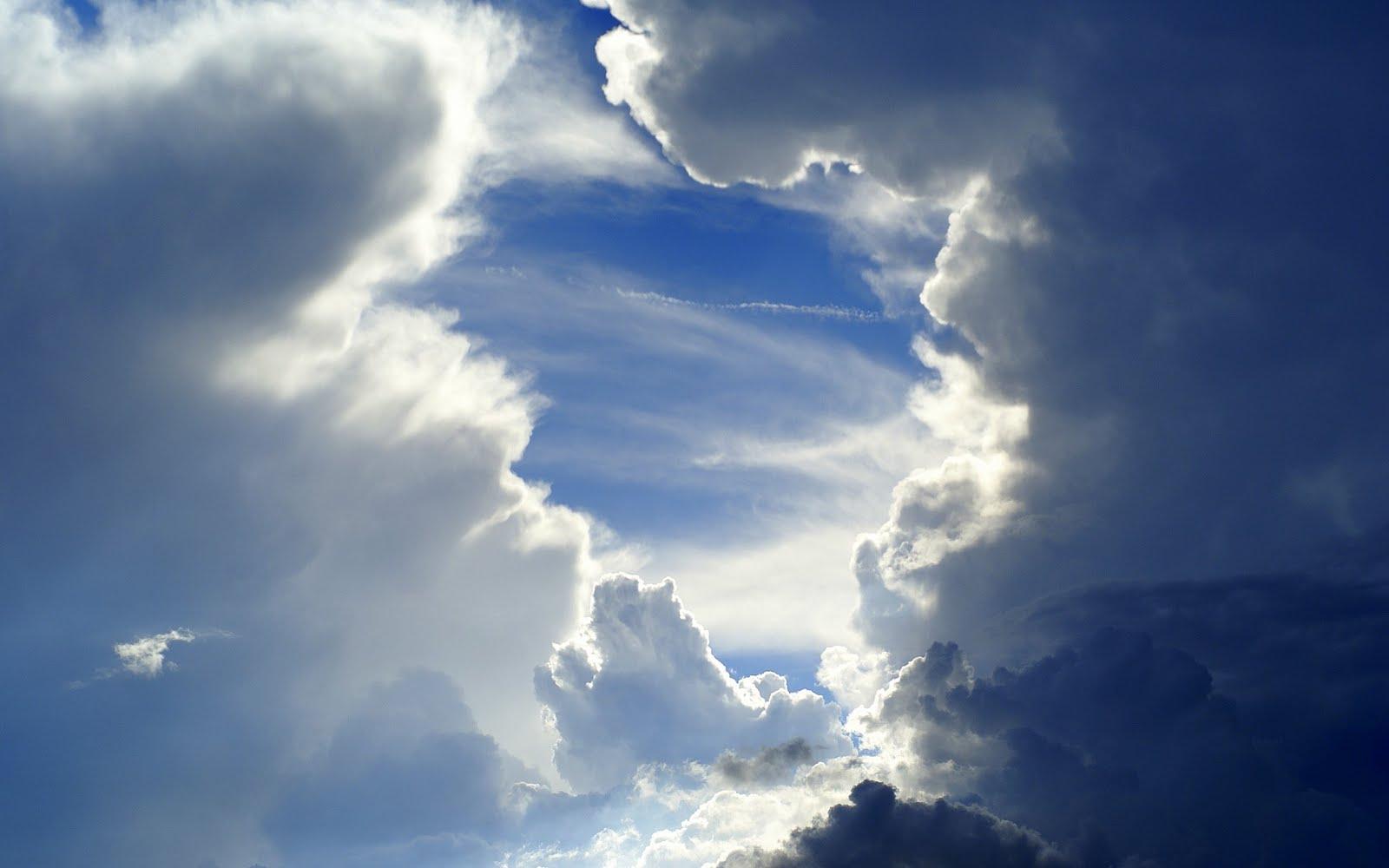 http://1.bp.blogspot.com/-5qwemzaEnkg/TghjyHN1GxI/AAAAAAAAAvc/DeFYbGzY990/s1600/Sky-HD-Wallpapers-8.jpg