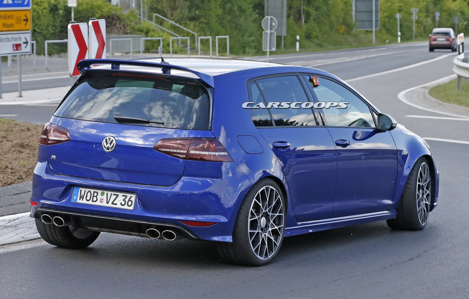 spied vw nears supercar territory with golf r400 hyper hatch carscoops. Black Bedroom Furniture Sets. Home Design Ideas