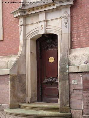 Sankt Michaelis Kirche Hamburg, Seitentür, Nummer 5